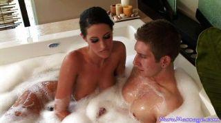 熱的性在浴缸和後