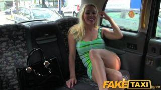 faketaxi令人驚嘆的金發女郎與深口交