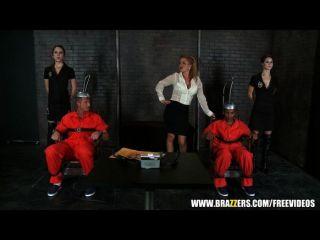 兩個死囚囚犯得到一個最後三人