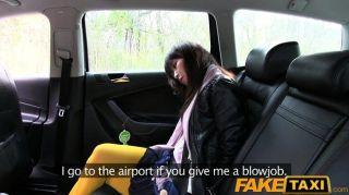 faketaxi熱亞洲寶貝撞在出租車