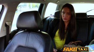 faketaxi出租車司機他媽的派對女孩