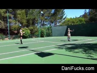 dani daniels女同性戀網球場
