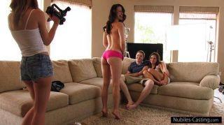 這個女孩會做任何事情成為一個pornstar
