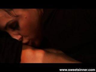 lisa ann吸和她媽的她的兒子