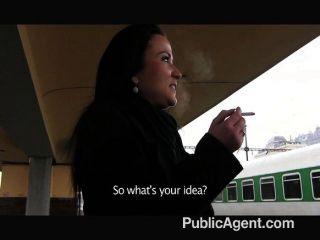 公共奧地利吮吸和他媽的我