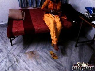 印度妻子shilpa bhabhi脫模赤裸