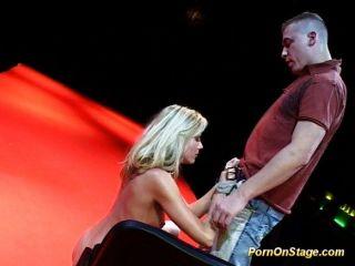 色情在舞台上