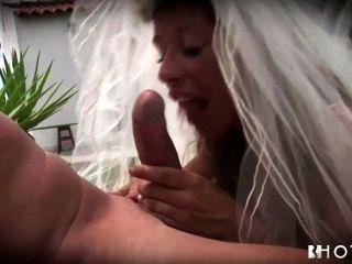 hotgold焦慮飢渴的新娘敲響了在婚禮