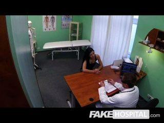 假醫院希望乳房植入