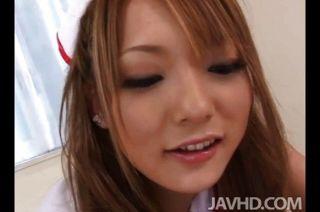 可愛的護士塞納aragaki給她的病人t