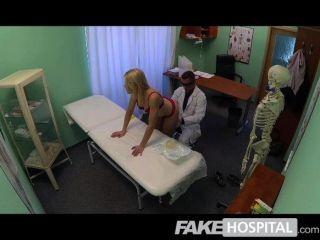 fakehospital超級性感彎曲的金發女郎