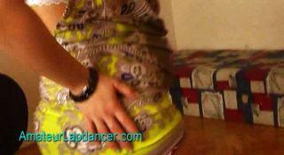 懷孕的青少年做lapdance和帶