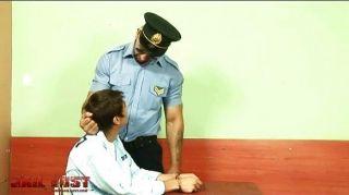 非常壞的男孩他媽的由殘酷同性戀警察