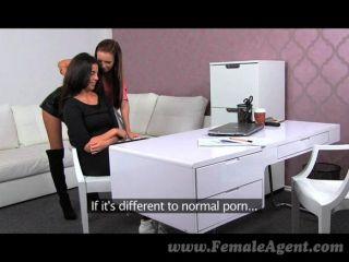 femaleagent美麗的真正的女同性戀性高潮