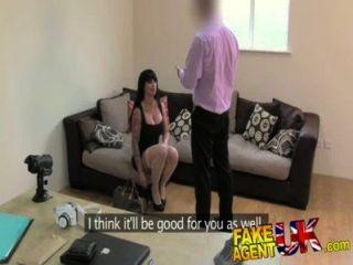 fakeagentuk緊pussy pornstar造成代理問題在假鑄件
