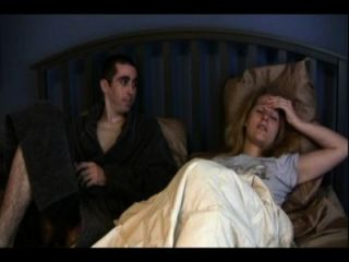 妹妹凱瑟琳和哥哥安東尼共享一張床