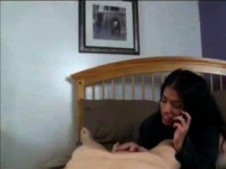 媽媽跟爸爸談手機,而他媽的和兒子