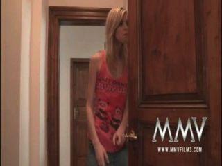 mmvfilms老人吸暨從青少年她的陰部