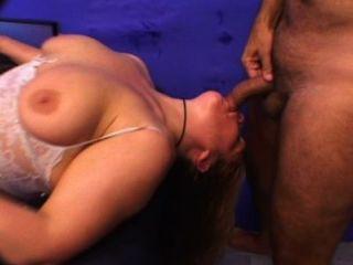 大屁股成熟蕩婦得到性交真的很難