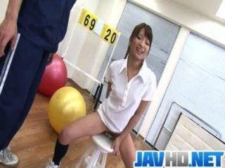 suzu minamoto得到她的貓他媽的性玩具