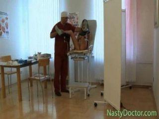 老變態的俄羅斯婦產科醫生