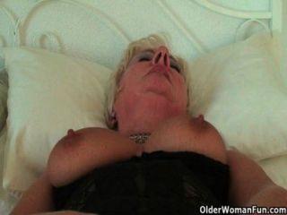 豐滿和彎曲的奶奶sandie集合