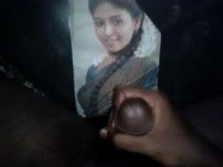 我暨致敬我甜美的印度家庭女演員anjali