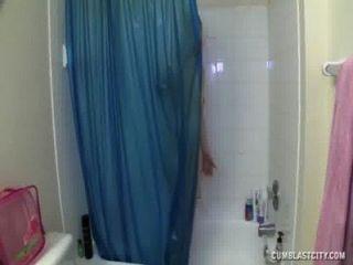 cumblast在浴缸裡