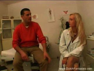 金發荷蘭醫生他媽的她的病人