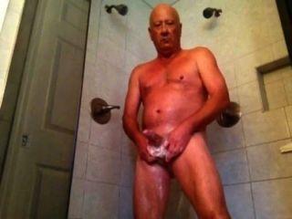 享受我的淋浴部分1