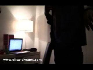 裸體和蕩婦與2個黑人情侶在一家酒店