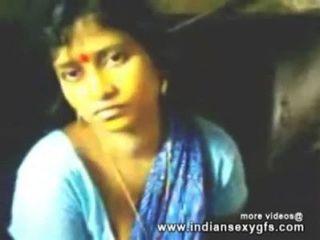 印度bhabhi第一次他媽的在kichen