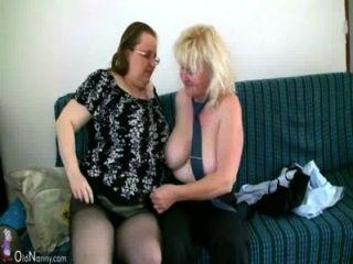 oldnanny成熟與大胸部手淫與胖乎乎的奶奶在一起
