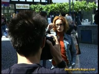 德國瘦瘦的肌肉女孩肛門他媽的