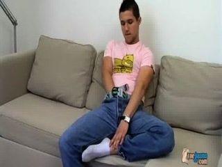 牛仔男孩和他的cummy腳