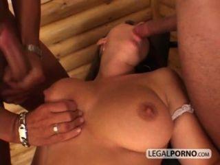 性感的女孩與大山雀採取面部射精從兩個巨大的公雞Hc 3 02