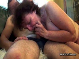 毛茸茸的媽媽他媽的跟兒子沒有避孕套