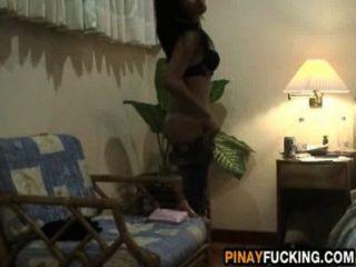 菲律賓妓女給了淋浴口交