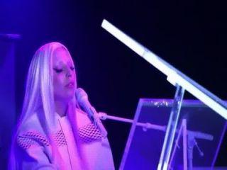 Lady gaga artpop(住在今晚秀)