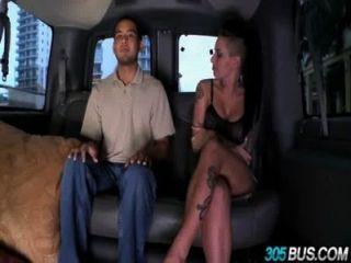 克里斯蒂·麥克操了一對夫婦的人在305bus 3.4