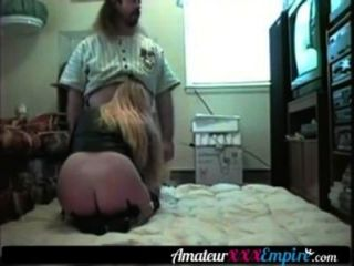 金發milf他媽的她的丈夫在地板上