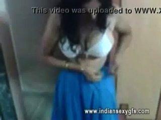 印度bhabi暴露她的胸圍圖indiansexygfs.com