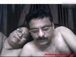 叔叔和阿姨自製的sex redtube免費肛門色情影片,大山雀電影&亞洲剪輯