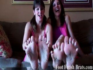 你知道你愛我們的腳趾吸