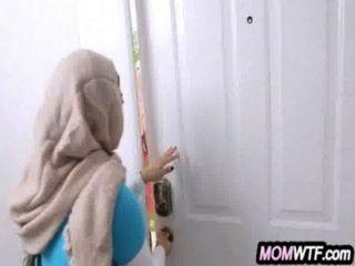 阿拉伯媽媽和女兒共享公雞朱莉安娜vega,mia khalifa 23 81