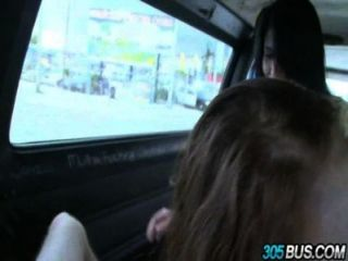 2青少年寶貝chloe泰勒和金伯利野生他媽的街上