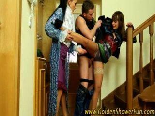 金色淋浴蕩婦