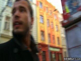 他從街上拿起bbw