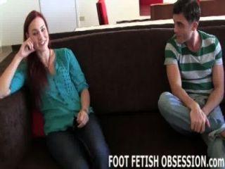 jolene讓lance崇拜她性感的腳