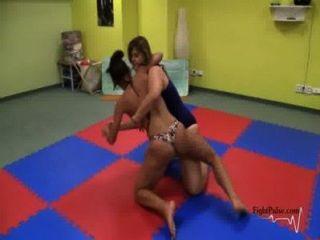 skylar rene競爭摔跤